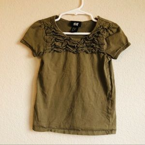 😱5 for $15😱 H&M Army Green eyelet ruffled top